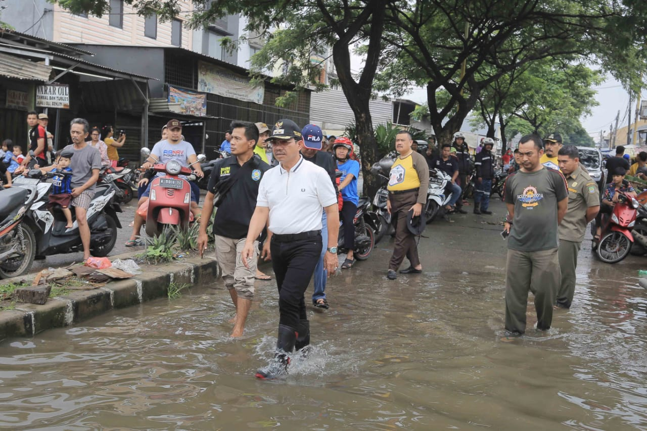Pemkot Siagakan Petugas Di Lokasi Banjir Kecamatan Periuk Brigade News